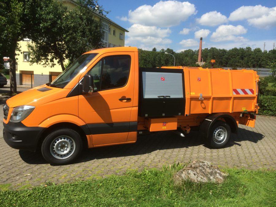 BERTSCHE Leichtmüllverdichter Typ LM3,5 auf DB Sprinter-Fahrgestell