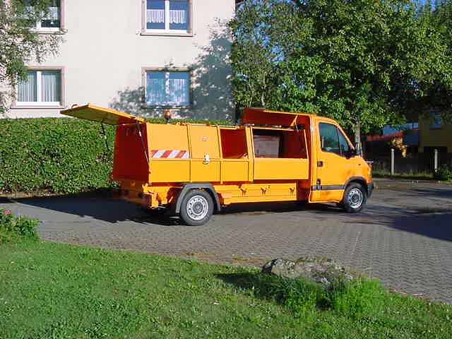 BERTSCHE Leichtmüllverdichter Typ LM 3,5 auf Renault-Master Fahrgestell