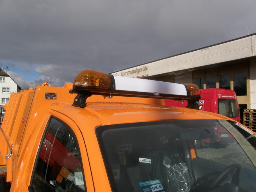 BERTSCHE Leichtmüllverdichter mit LED-Leuchtbalken