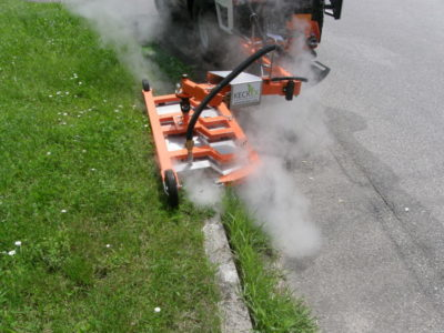 Unkrautbekämpfung ohne Chemie im Straßenrandbereich - nur mit Heißwasserdampf - System Keckex