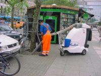 Mit dem GLUTTON® reinigen Sie auch Baumscheiben und Gitter schnell und zuverlässig