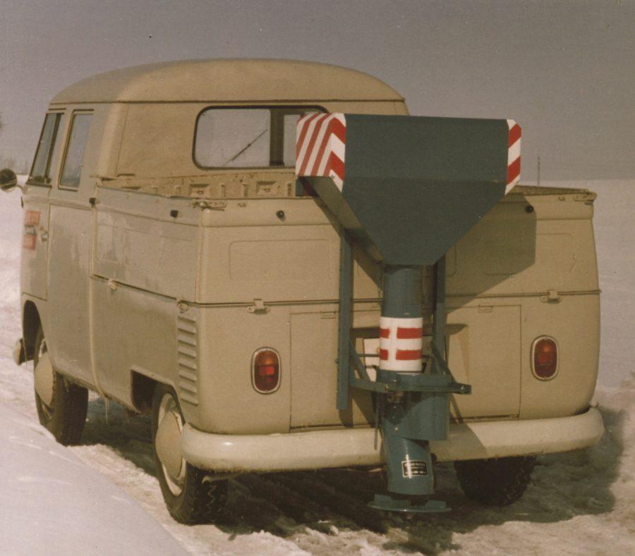 1960 Bertsche Elektrostreuer an Volkswagen Transporter