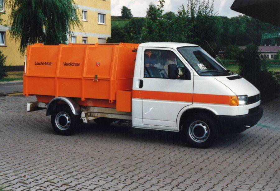 1990 Bertsche Leichtmüllverdichter LM3,5 auf Volkswagen Transporter