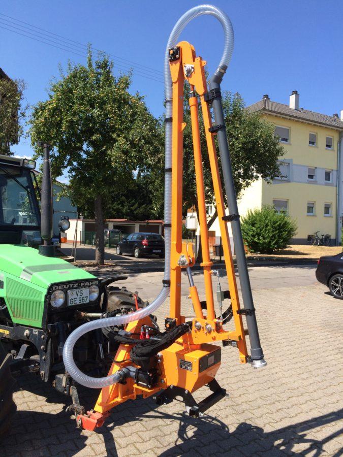 Gießarm 2012 mit 2-Zoll Schlauch zur Baumbewässerung