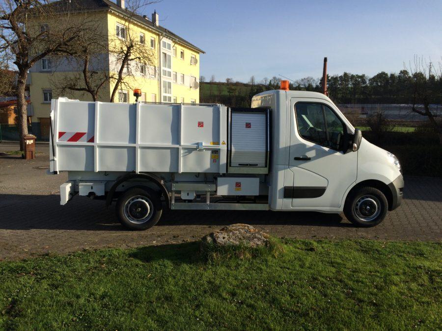 2015: Erster BERTSCHE Leichtmüllverdichter Typ LM 4,0 auf Renault Master
