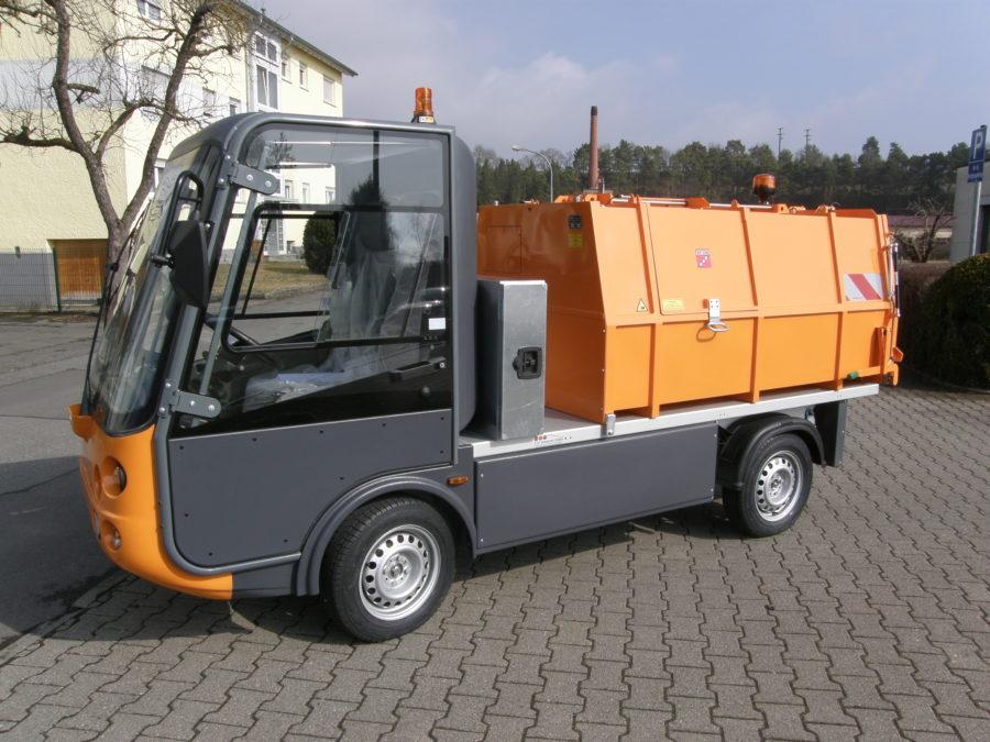 2018: Erster BERTSCHE Leichtmüllverdichter Typ LME 2,0 auf Esagono Elektrofahrzeug