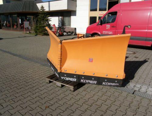 Bertsche Varioschneepflug DAV für DIN-Anbauvorrichtung