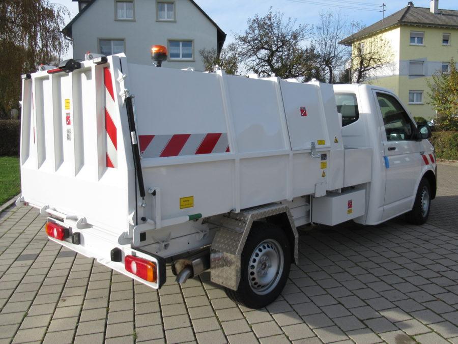 Leichtmüllverdichter Typ LM3,6 auf VVolkswagen Transporter T6 Radstand 3400