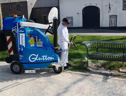 GLUTTON® H2O Perfect mit Wassersprüheinrichtung zur Straßenreinigung